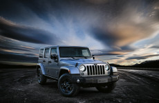 arriva-in-italia-la-jeep-wrangler-black-edition-150224_jeep_wrangler-black-edition_01